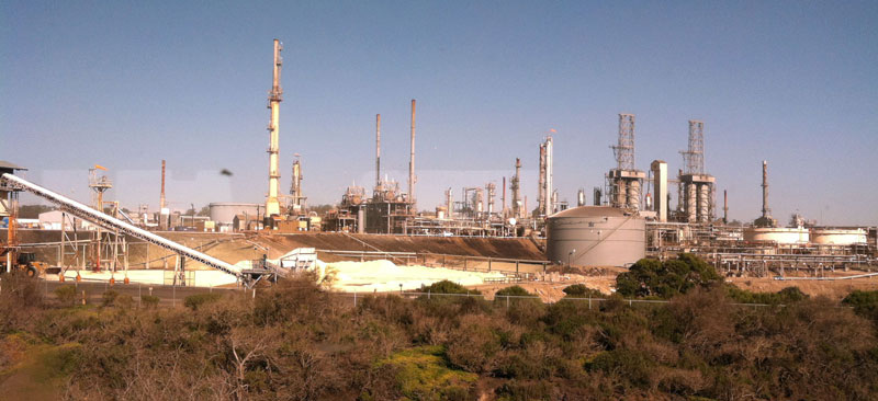 "Phillips 66 Nipomo Mesa Refinery in San Luis Obispo County, at the center of ""oil by rail"" controversy regarding transporting Bakken shale and Alberta tar sands oil to west coast for refining."